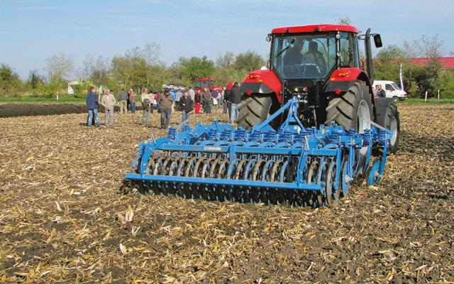 Kukorica tarló felszíne a második menet után