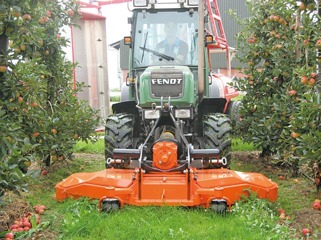 Van Wamel TKF-200 mellső függesztésű gyümölcsös  ültetvénymulcsozó