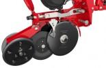 A vetőtárcsa - a tartósság jegyében - V55 típusú acélból készül, melynek vastagsága 4 mm.