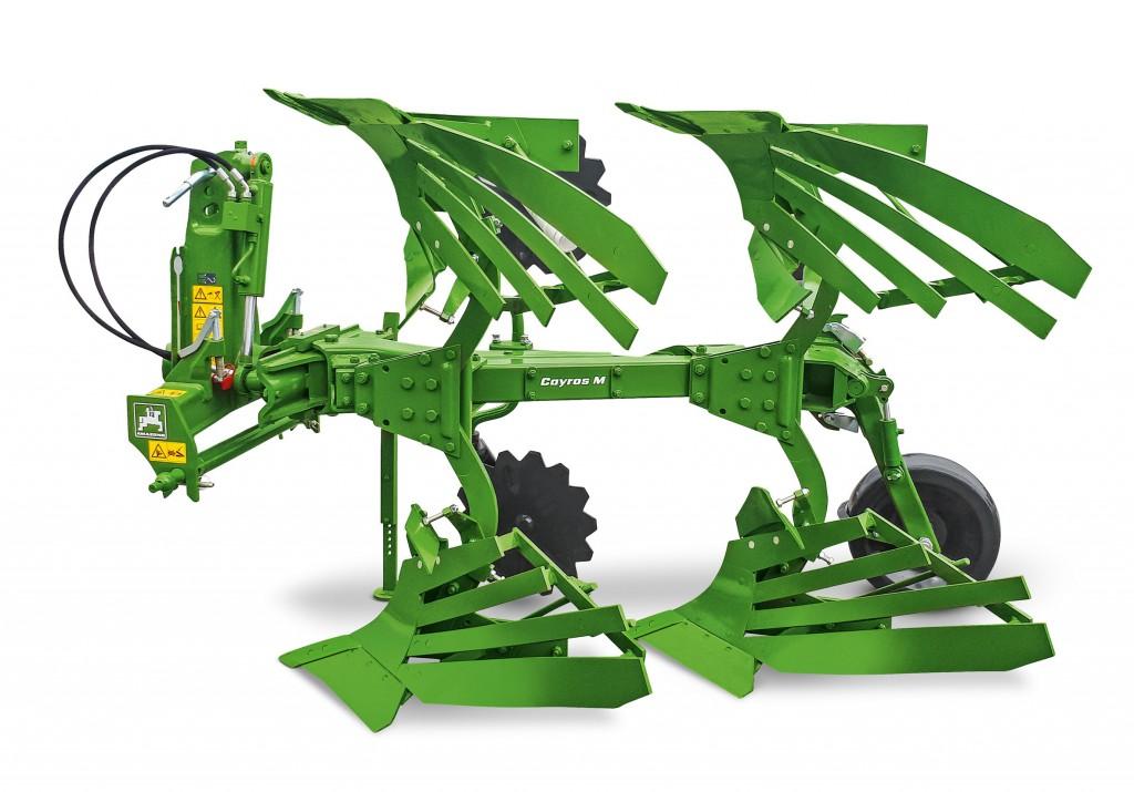 A 2 vasú Cayros M modellel az Amazone már kisebb, kb. 37 kW/50 LE teljesítményű traktorokhoz is kínál ekéket.