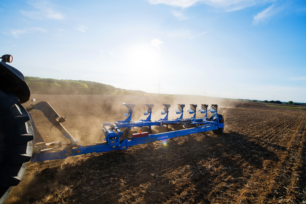 The new Diamant 16 semi-mounted reversible plough is strong and agile