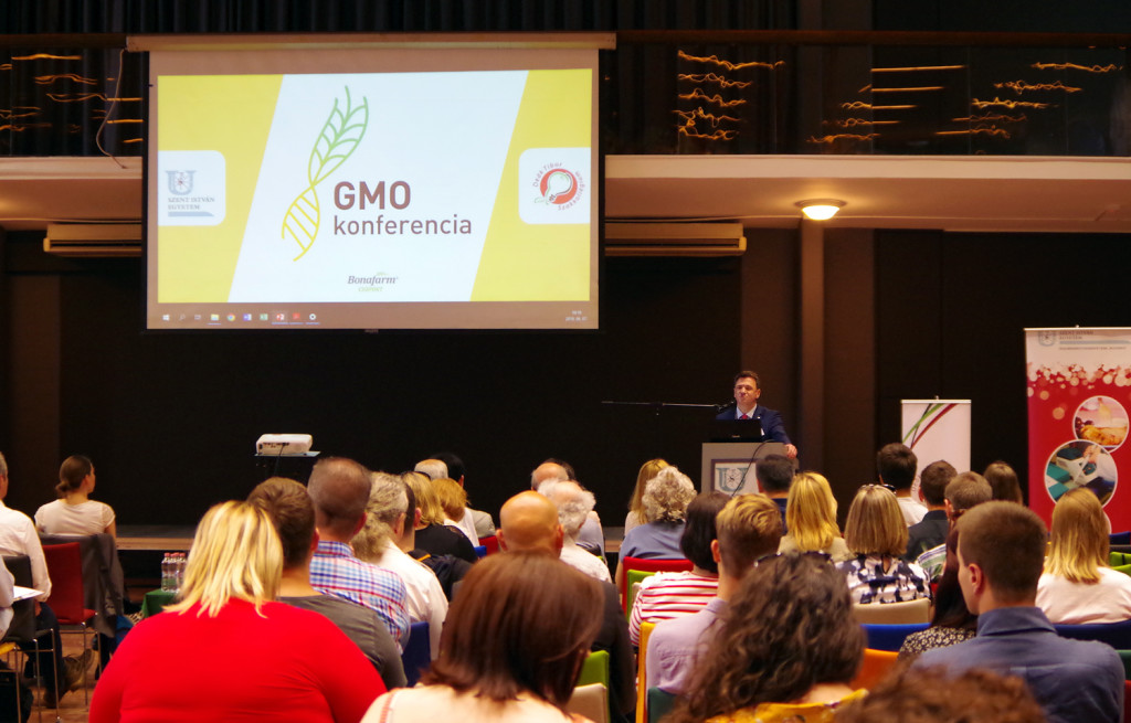 gmo_konferencia1
