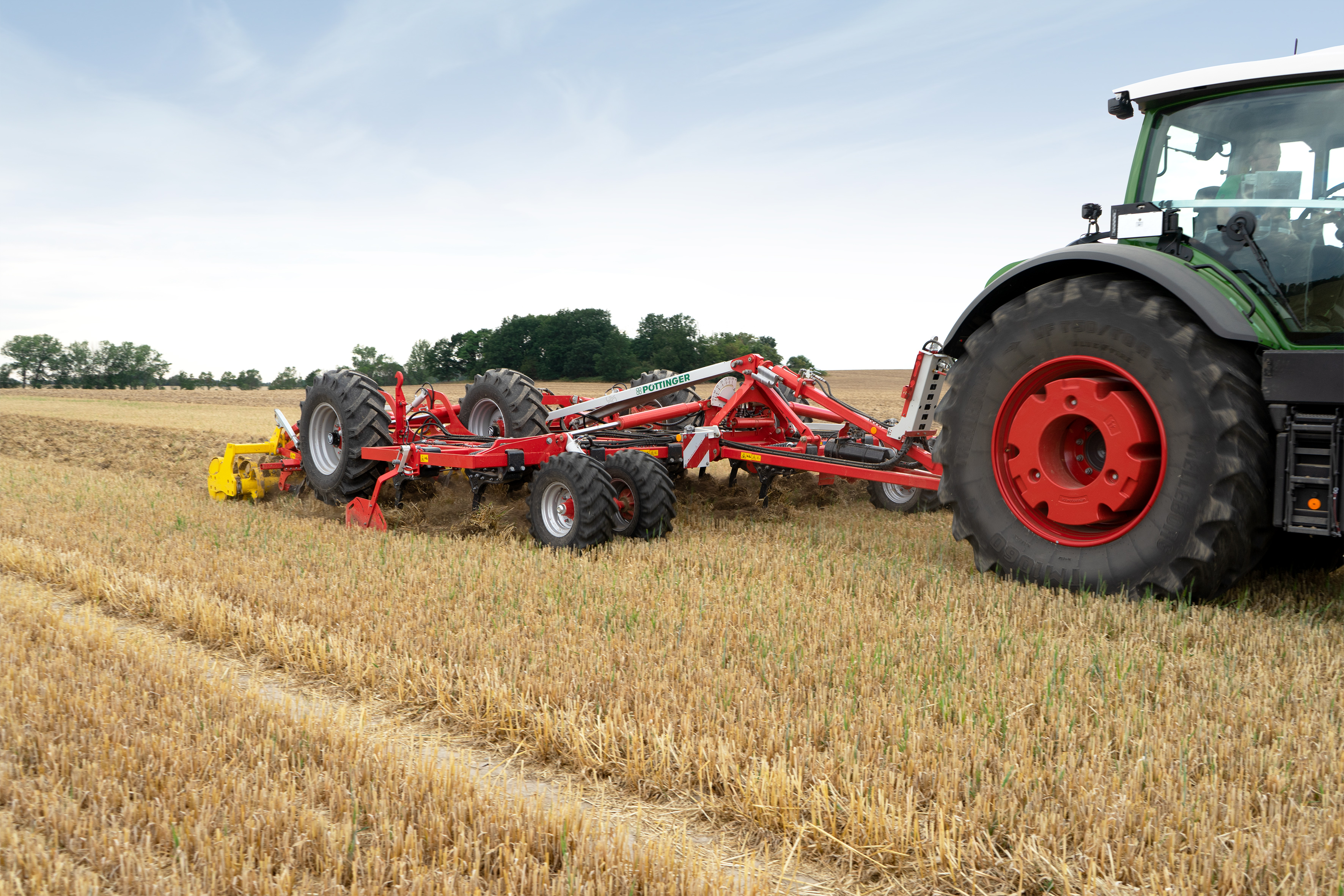 The TERRIA 6030 for the best results in stubble cultivation